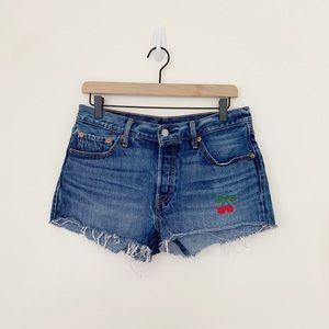 Levi's 501 embroidered cherry jean shorts  sz.29